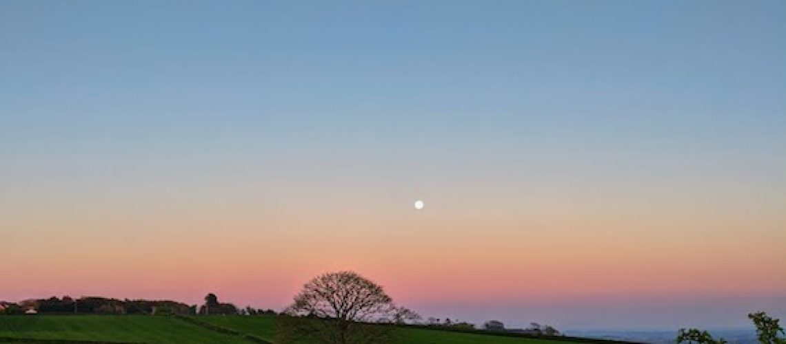 moon-sunset-sky